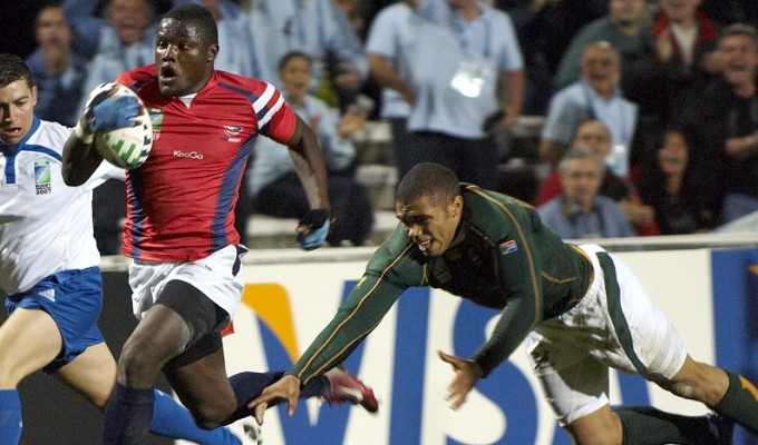 That moment he leaves Habana behind. Takudzwa Ngwenya on the way to scoring against South Africa in 2007. Ian Muir photo.