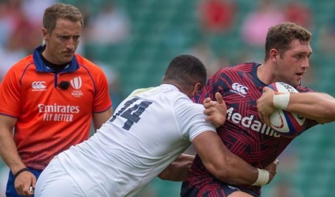 Andrew Brace keeps a close eye on Joe Cokanasiga's tackle of Bryce Campbell. Ian Muir photo.
