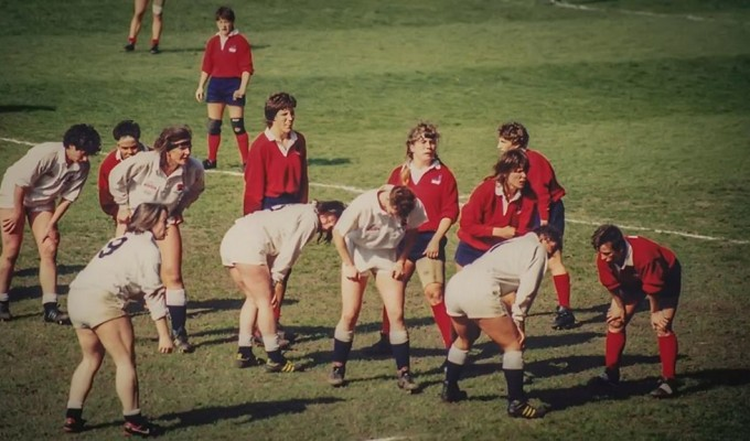 The USA WNT lineout in the 1991 Rugby World Cup final. Tam Breckenridge is the #1 jumper, 2nd in the line in red.