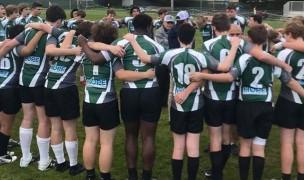 De La Salle players huddle up.