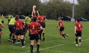 Bayous in green and Brother Martin in red compete for the lineout ball.