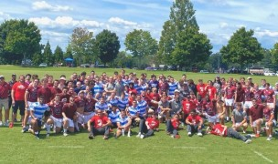 All of the teams came together for a photo.