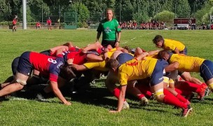 Spain, in yellow, and EIRA scrum down. Photo Spanish Rugby Federation.
