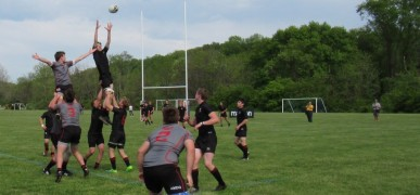 Lineout time for GGA (in black) v St. Joe's. Alex Goff photo.