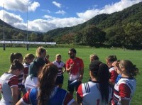 Clancy working with the USA Women's 7s team.