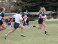Jessica Mossbrucker off running.