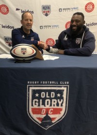Tendai Mtawarira shakes hands with Old Glory co-owner Paul Sheehy